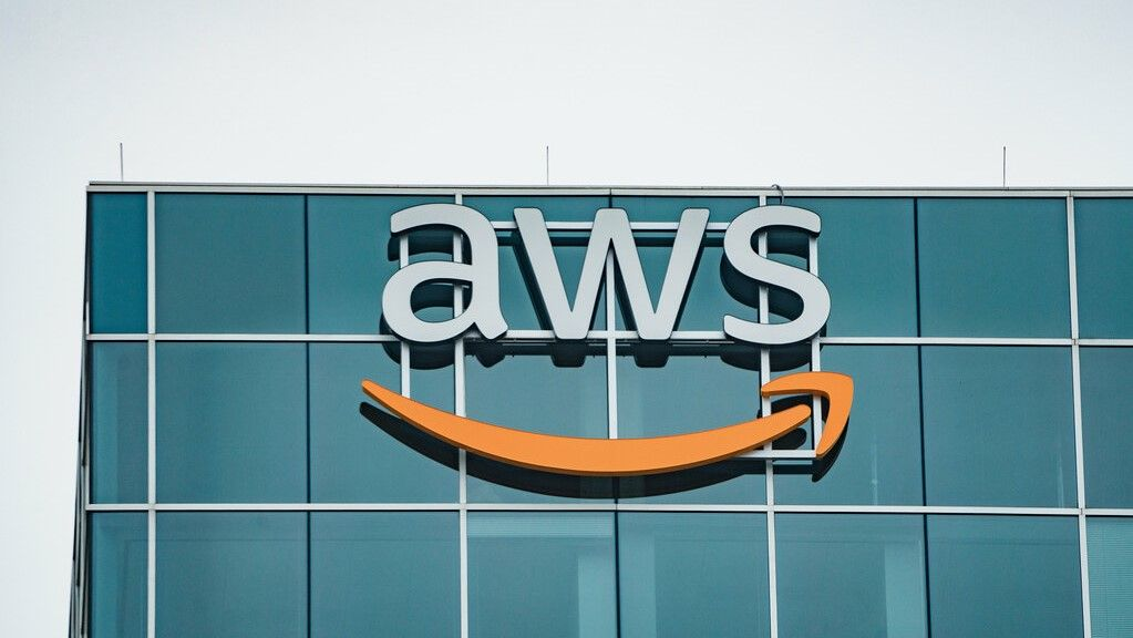 AWS Elasticsearch Fork out of beta, but anger battle of active law