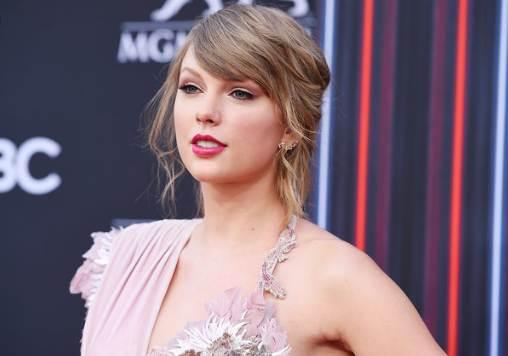 Taylor Swift,Bio Personal Life Net worth 2020