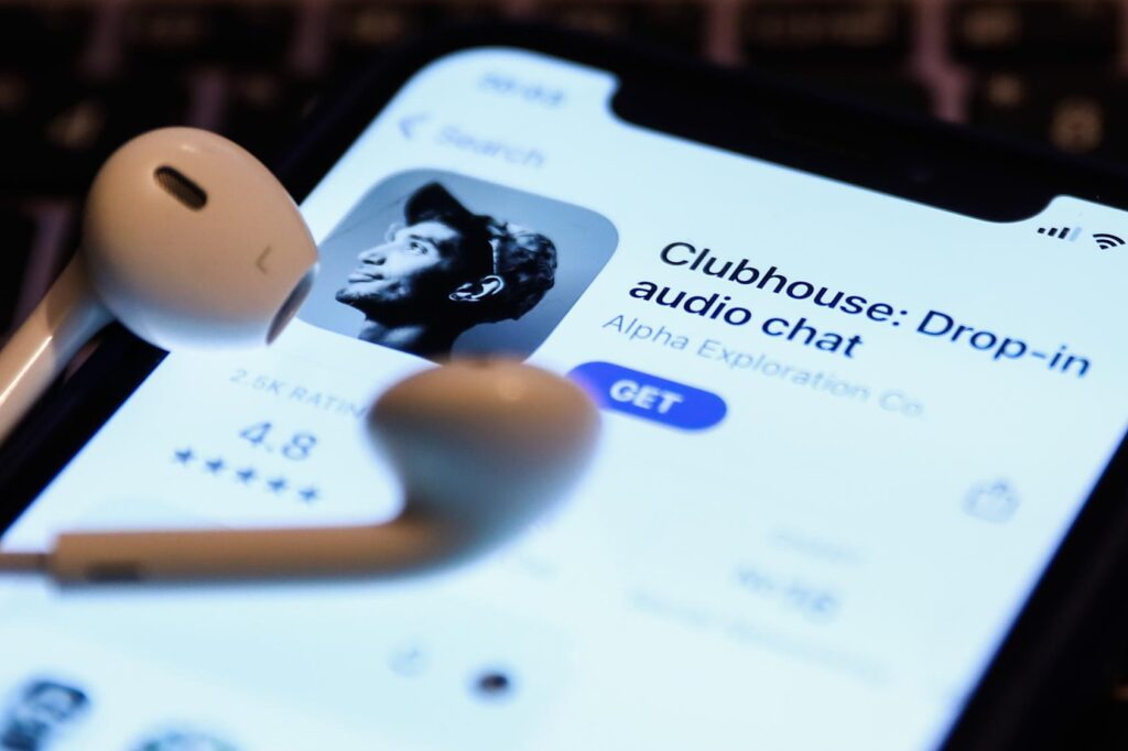 Ted will offer exclusive audio equipment at the clubhouse