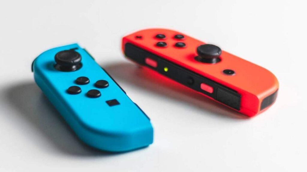 YouTuber Repair Switch Joy-Con Drift Problems with Paper